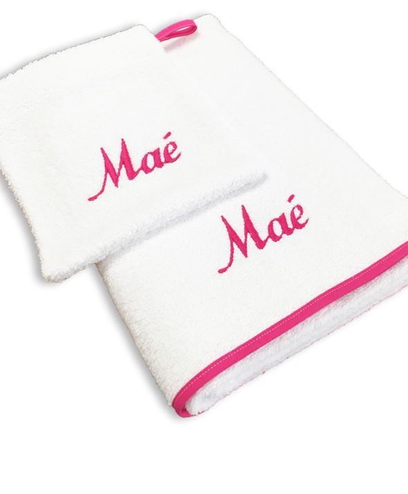 serviette de bain gant blanc fuchsia id es cadeaux. Black Bedroom Furniture Sets. Home Design Ideas